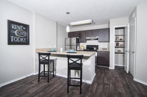 Eclipse Apartments Photo 1