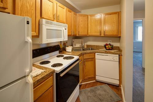 Eagle Creek Apartments Photo 1