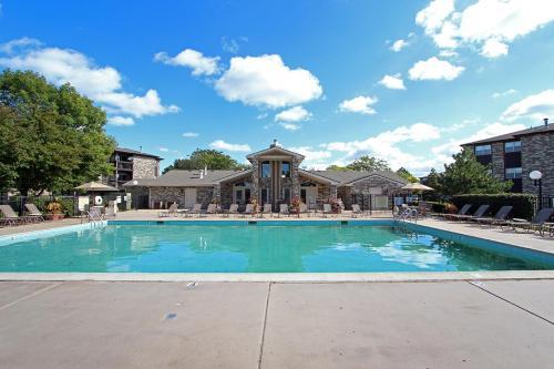 Windsor Estate Apartments Photo 1