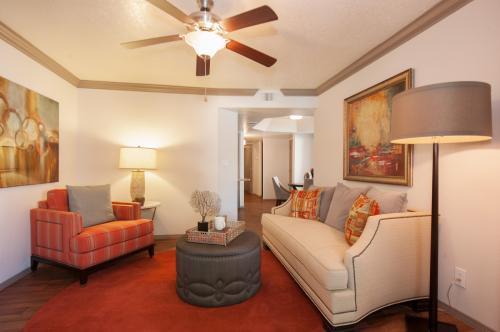 Pavilions Apartments Photo 1