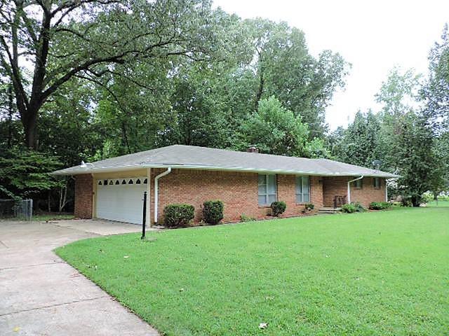 Magnificent 3820 Lakehurst Drive Memphis Tn 38128 Memphis Tn 38128 Home Interior And Landscaping Ologienasavecom