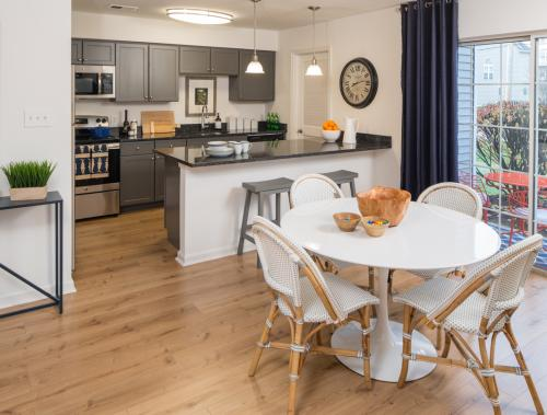 Westridge Gardens Luxury Rental Apartments Photo 1