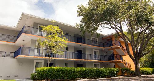 Midora At Woodmont Apartments Photo 1