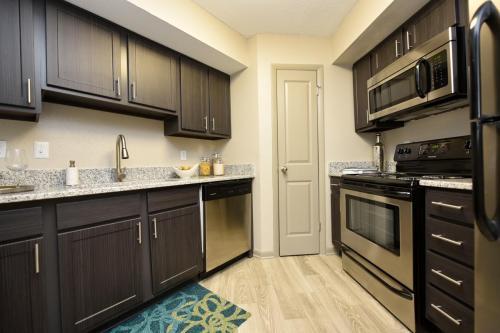 The Metropolitan Fishers Apartments Photo 1