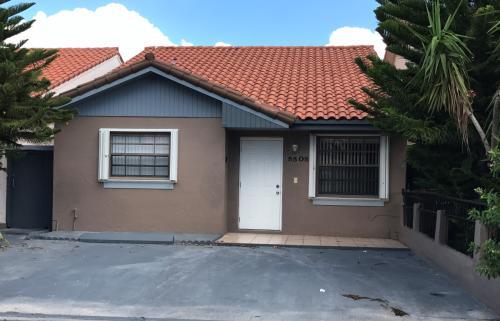 5505 W 27 Lane Photo 1