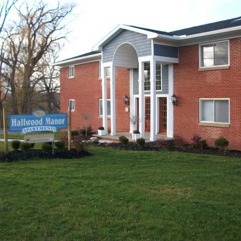 Hallwood Manor Apartments Photo 1