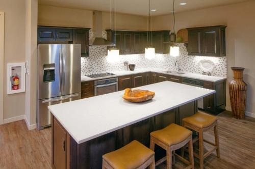 Amberglen West Photo 1