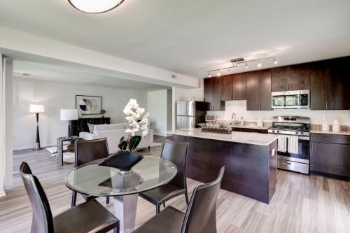 Charter Oak Apartments Photo 1