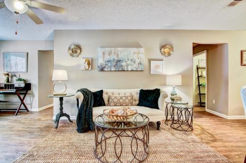HarborOne Apartments Photo 1