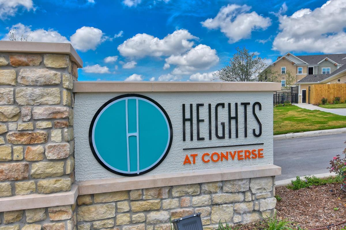 a084ebeb345e04 The Heights at Converse Apartments - Converse
