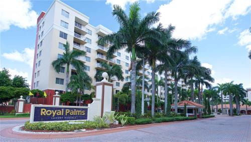 Royal Palms Apartments Photo 1