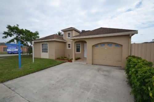 18155 SW 138th Place Photo 1