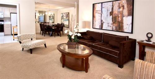 Tuscany Lane Apartments Photo 1