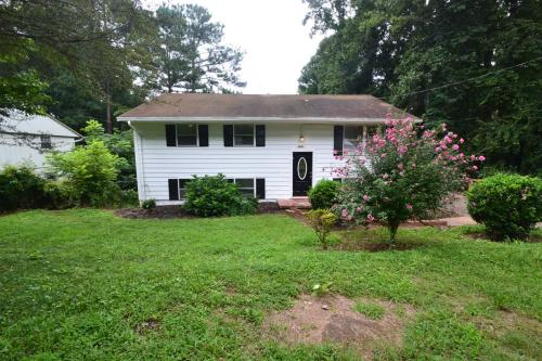 3081 Flat Shoals Road Photo 1