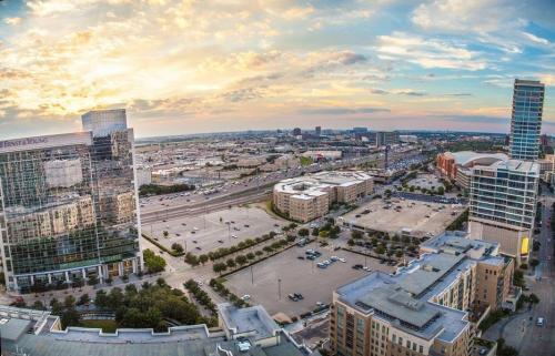 2320 N Houston Street Photo 1