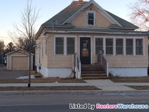 713 2nd Avenue NE Photo 1
