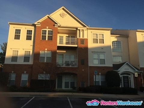 2412 Chestnut Terrace Court #103 Photo 1