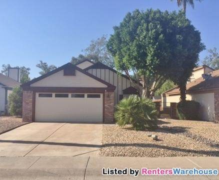 870 E Rockwell Dr Photo 1