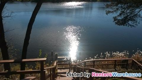 7831 NE River Road Photo 1