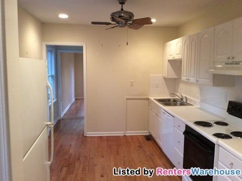 1464 Hawthorne Avenue NW Photo 1