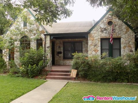 4601 Red River Street Photo 1