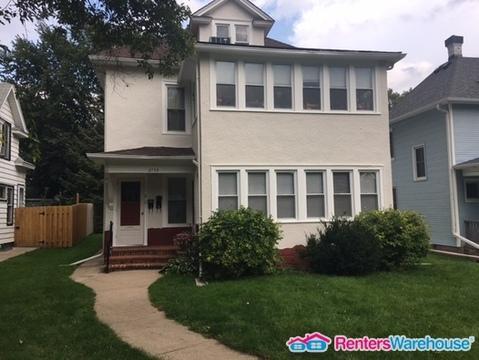 2739 Buchanan Street NE Photo 1