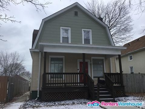 2159 Clarence Avenue Photo 1