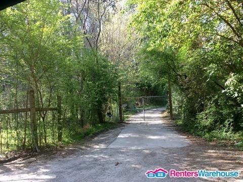 5850 Derrick Road Photo 1