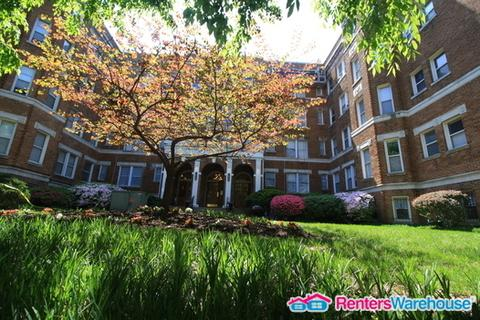 1820 Clydesdale Place NW #3 Photo 1
