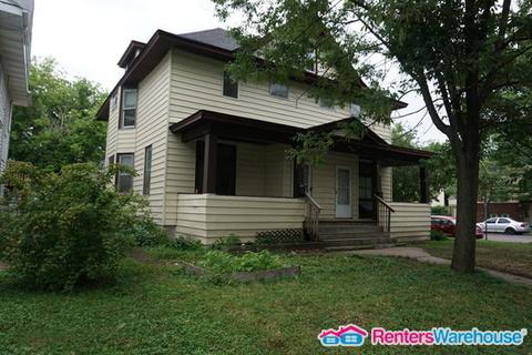 428 Wheeler Street N Photo 1