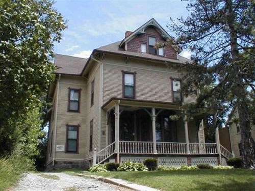114 N Division Street Photo 1
