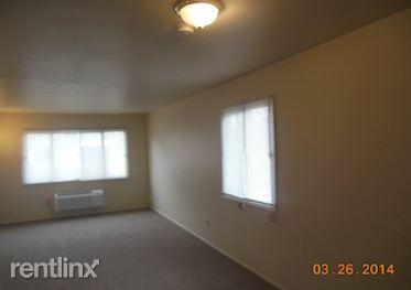 1 bed, 1.0 bath, $325 Photo 1