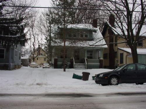 922 Dewey Avenue Photo 1