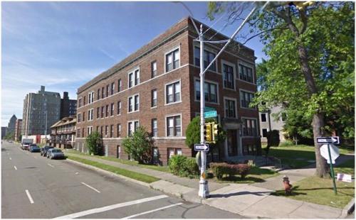 605 Hazelwood St Photo 1
