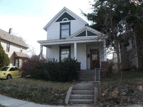 320 Hollister Avenue SE Photo 1