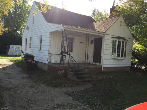 29225 Hazelwood Street Photo 1