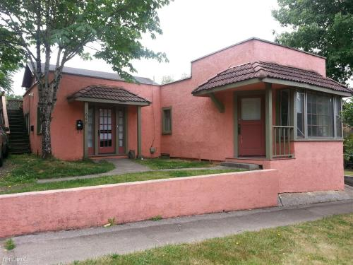 1648 E 24th Avenue Photo 1