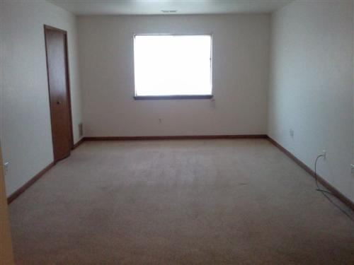 2 bed, 1.0 bath, 600 sqft, $650 Photo 1