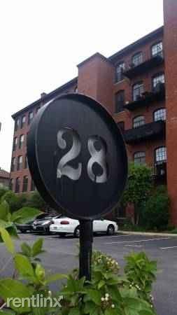 28 Bayley St Photo 1