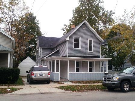 1257 College Avenue NE Photo 1
