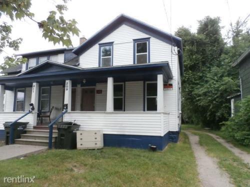 209 Iona Avenue Photo 1