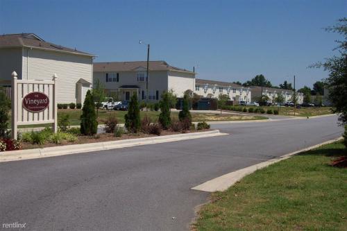 2380 Vineyard Drive Photo 1