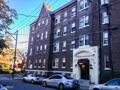 6100 Mccallum Street Photo 1