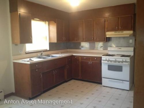 2 bed, $699 Photo 1