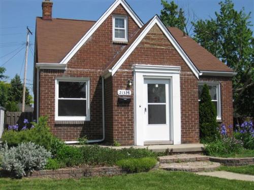 21328 Redmond Avenue Photo 1