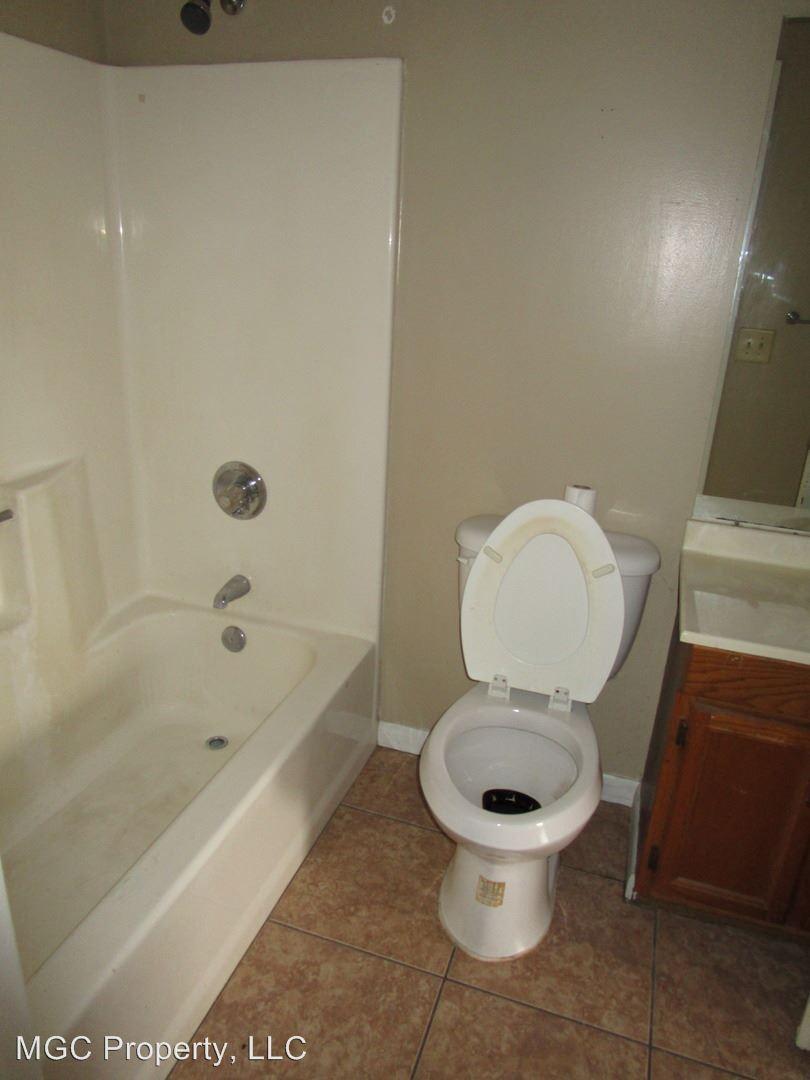 Bathroom Fixtures Johnson City Tn 1825 todd drive, johnson city, tn 37604   hotpads