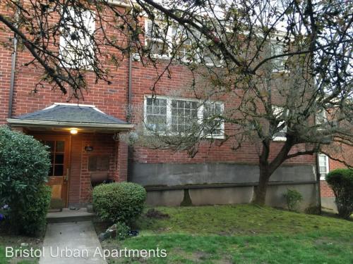 5585 NE Sandycrest Terrace #2 Photo 1