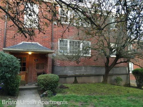 5595 NE Sandycrest Terrace #4 Photo 1