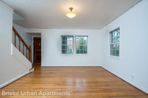 5650 NE Sandycrest Terrace Photo 1