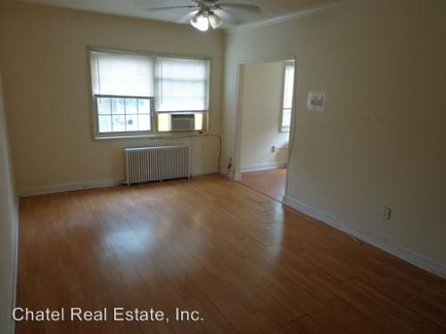 1400 Somerset Pl NW NW Photo 1